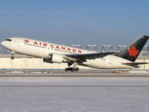 Air Canada uçağının kokpit camı çatladı