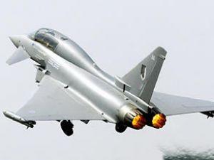 İngiltere'nin kuzeyin'de iki jet düştü