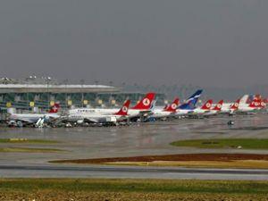Atatürk'te 70 saniye bir uçak indi kalktı