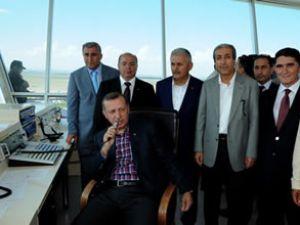 Başbakan Erdoğan'dan kuleden uçağa anons