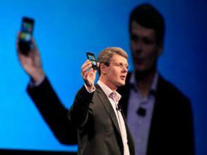 Blackberry,her cihaza 8 dolar ödeyecek