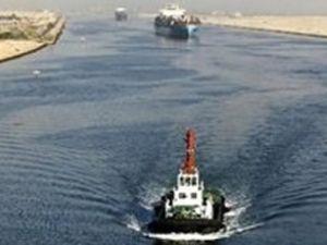 Süveyş Kanalı'ndaki gemi trafiği azaldı