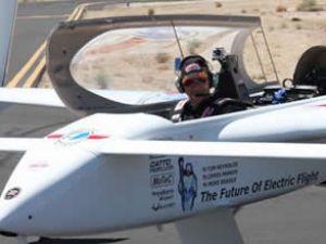 Elektrikli hava aracı pistte teste başladı