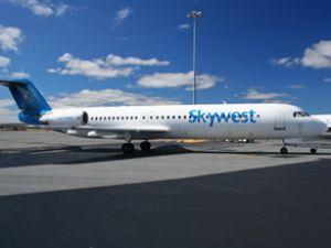 Pilot önce uçağı çarptı sonra intihar atti