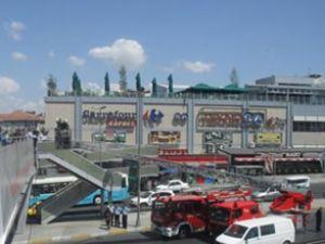 Avcılar metrobüs durağında yangın çıktı
