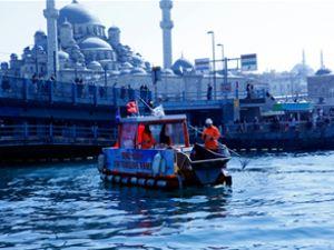 Boğaz'ın çöpleri tekneyle temizlenecek