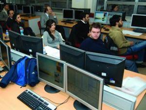 Kayıtlı internet cafe sayısı 27 bin 500'e düştü