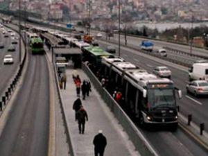 Haliç Köprüsü'nde metrobüs arıza yaptı