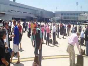San Antonio Havaalanı yeniden açıldı