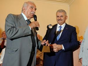Binali Yıldırım 'Yılın Bakanı' seçildi