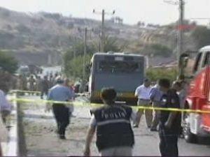 İzmir Foça'da askeri araca saldırı