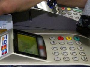 Bankalar kart aidatı için lobiye başladı
