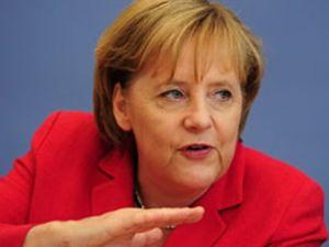 Merkel tek sözüyle piyasayı toparladı