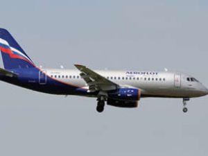 Hava kaçağı, Sukhoi Superjeti acil indirdi
