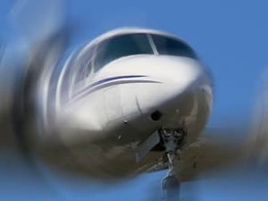 Endonezya'da kaybolan uçak bulundu