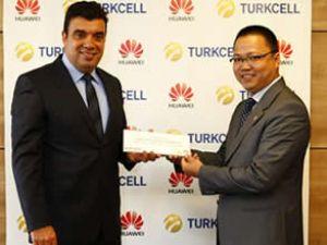 Huawei ve Turkcell'den Van'a destek