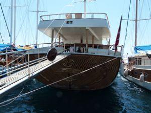 """Bodrum'da """"çevreci"""" bir tekne"""
