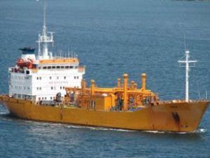 Hacizli LPG gemisi Körfez'de tehlike saçıyor