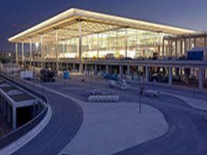 Brandenburg Havalimanı'nın açılışı ertelendi