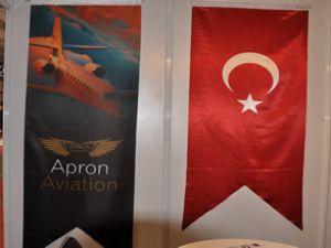 Apron Jet, Airex'teki jestiyle takdir topladı