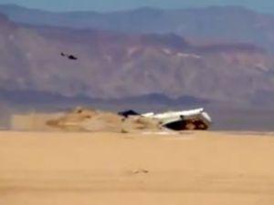 727 tipi yolcu uçağı Meksika'da çöle düşürüldü