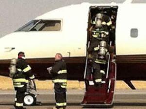 Romney'nin eşinin bulunduğu uçak acil iniş yaptı