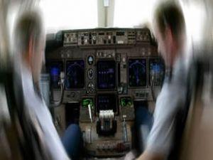 Sahte pilotu Facebook yakalattı