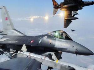 Çukurca semalarında savaş uçağı hareketliliği