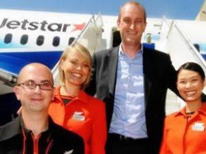 Jetstar modaya uygun üniformasını ortaya çıkardı