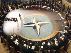 NATO büyükelçilerine uçak brifingi