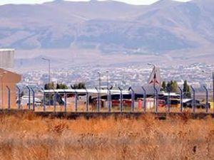 Suriye'ye giden Ermenistan uçağı arandı
