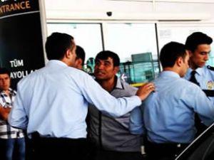 Havalimanında intihar girişimi