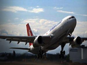 Uçak arızalınca yolcular inmek istedi