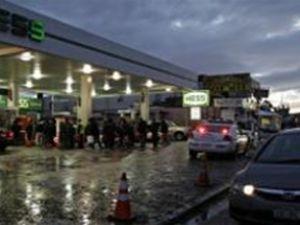 New York'ta benzin karneye bağlandı