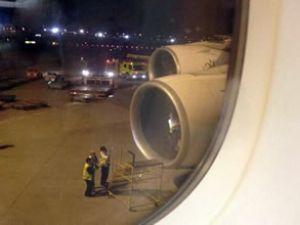 Emirates uçağında yangın panik yarattı