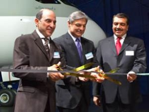 Qatar 787 Dreamliner'ın teslimini kutladı