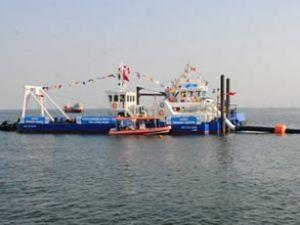 İmbat, Körfez'de denizi silip süpürüyor