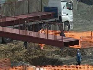 Taksim'e yapılan geçici üst geçit açıldı