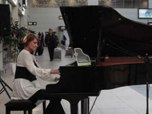 ICF, yolcularını piyano festivali ile karşılıyor
