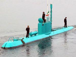 İran yeni denizaltısı 'Sina 7' i tanıttı