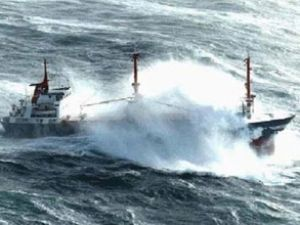 Marmara'da 62 gemi rotasını değiştirdi