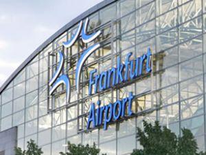Havalimanına ırkçılığa hayır tabelası asılacak