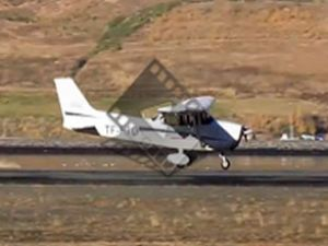 Pilotaj eğitimi sırasında heyecanlı iniş