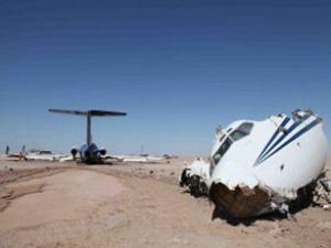 Kazakistan'da askeri uçak düştü: 27 ölü