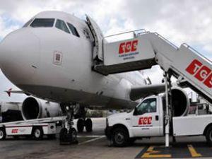 TGS işçisi bagaj arabasına sıkıştı