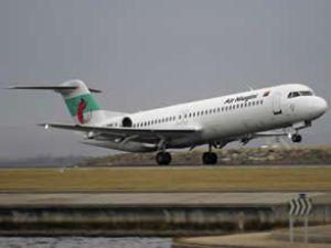 Niugini yolcu uçağı sol motorunu kaybetti
