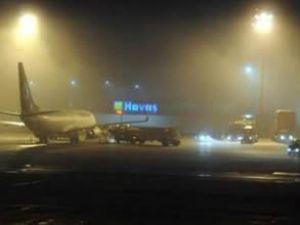Atatürk Havalimanı'nda sis manzaraları