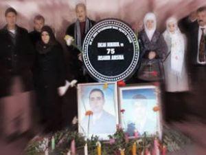 Uçak kazasında ölen 75 kişi anıldı
