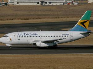 Air Tanzanya uçağının havada camı çatladı