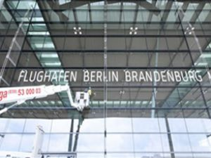 Berlin Havaalanı yapımı 2015'e kaldı